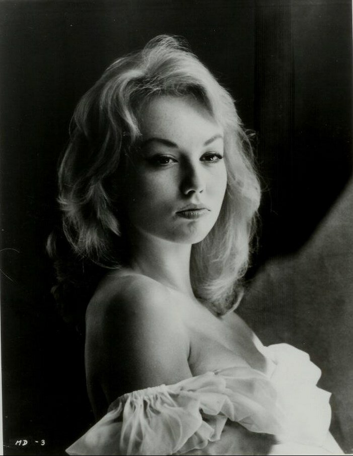 1950. Мари-Элен Демонжо