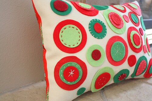 craft home decor: cushions from felt tutorial