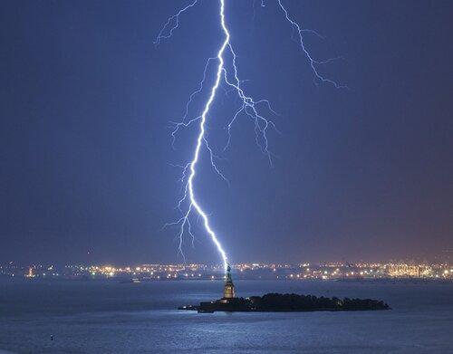 National Geographic : Молния . Перезарядка / Lightning reloaded (документальные фильмы)