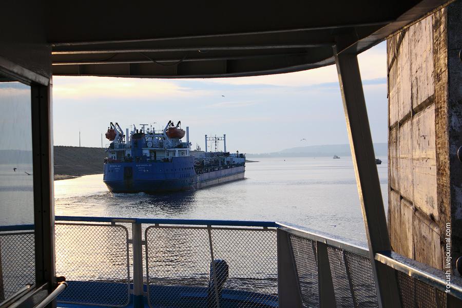 Танкер класса «река-море» «Волгонефть-207»