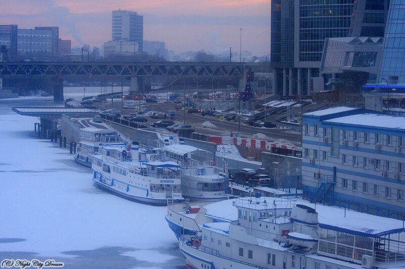http://img-fotki.yandex.ru/get/5502/night-city-dream.82/0_4310c_3d48c7d3_XL.jpg