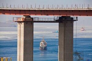 В конструкции моста на Русский уложено более 230 тысяч кубометров бетона