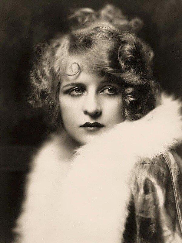 девушки из Ziegfeld Follies в 1920-е годы