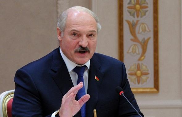 Лукашенко: разгильдяям, тунеядцам, алкоголикам в трудовых коллективах не место
