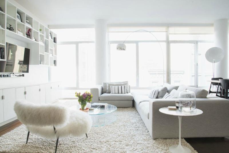 Белый цвет в интерьере гостиной, фото 19