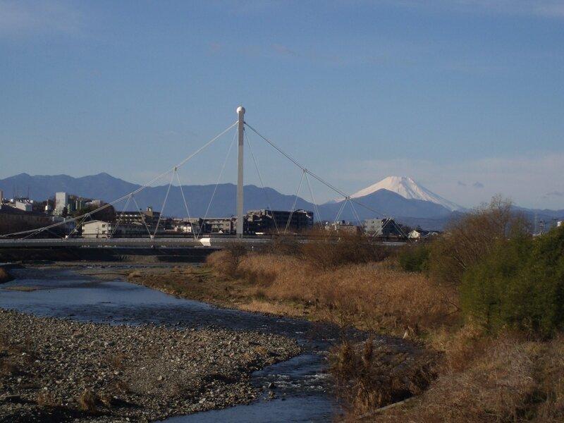 Асакава, мост Фурэаи и Фудзияма