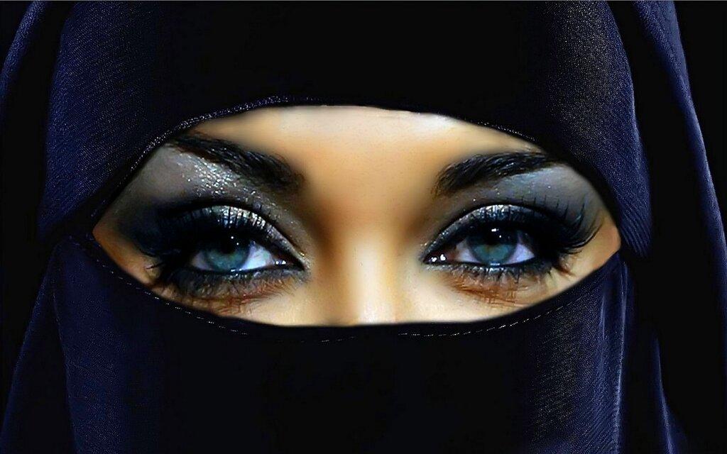 Оголить то, что не велит религия...