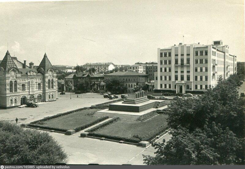 28.jpg Куйбышев. Площадь им. Чапаева1955—1957