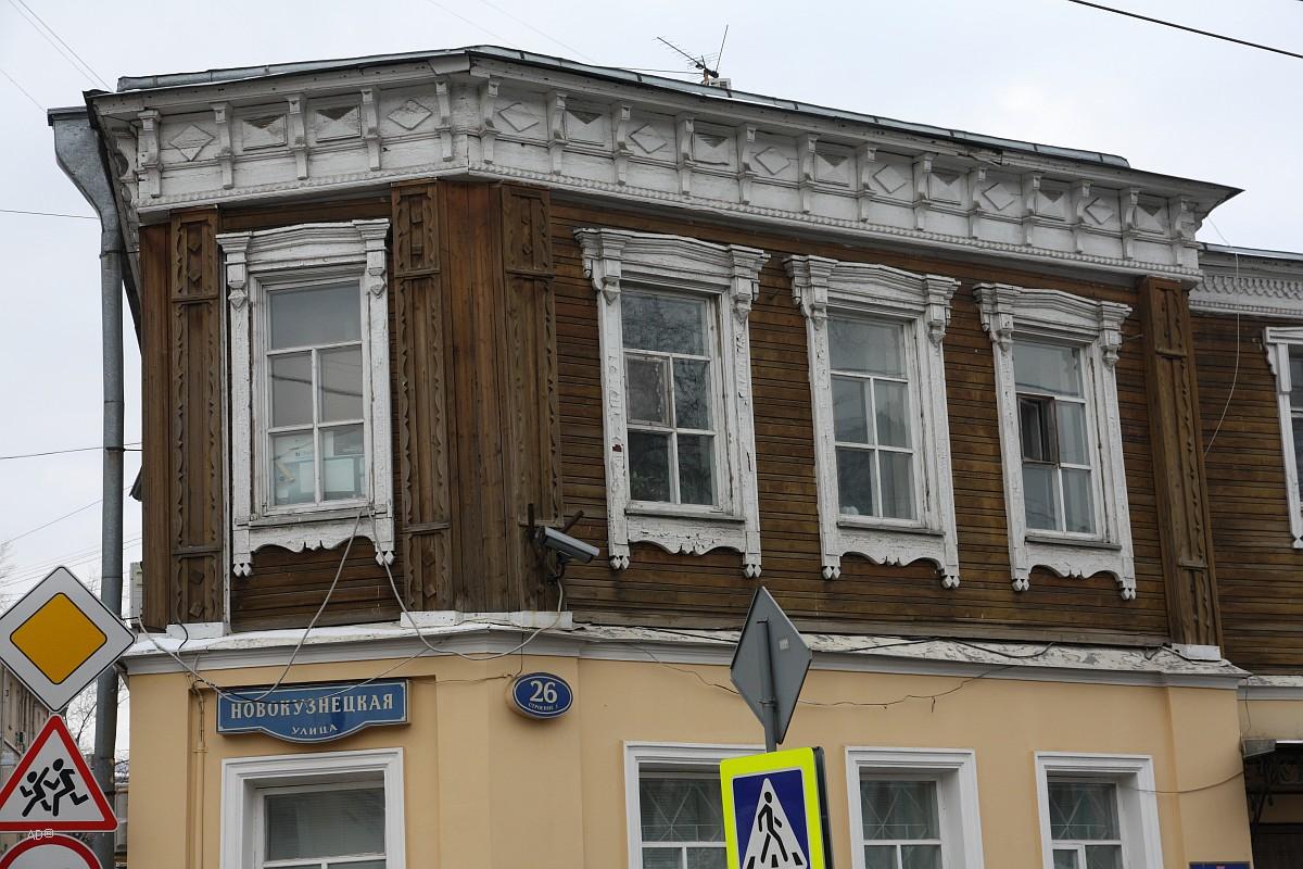 Деревянная двухэтажная застройка