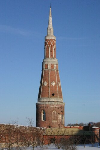 Башня Старо-Голутвина монастыря...