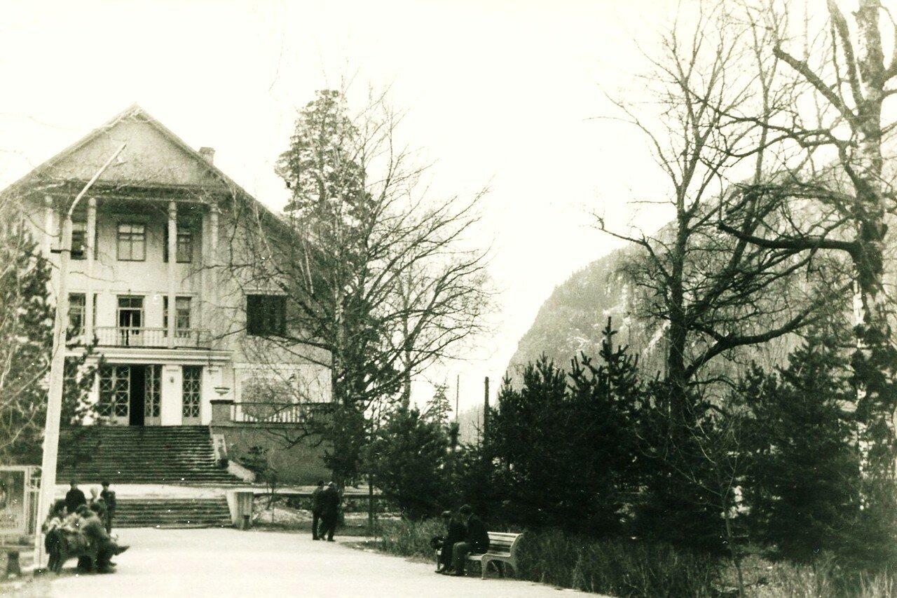 08. Гостиница в Теберде