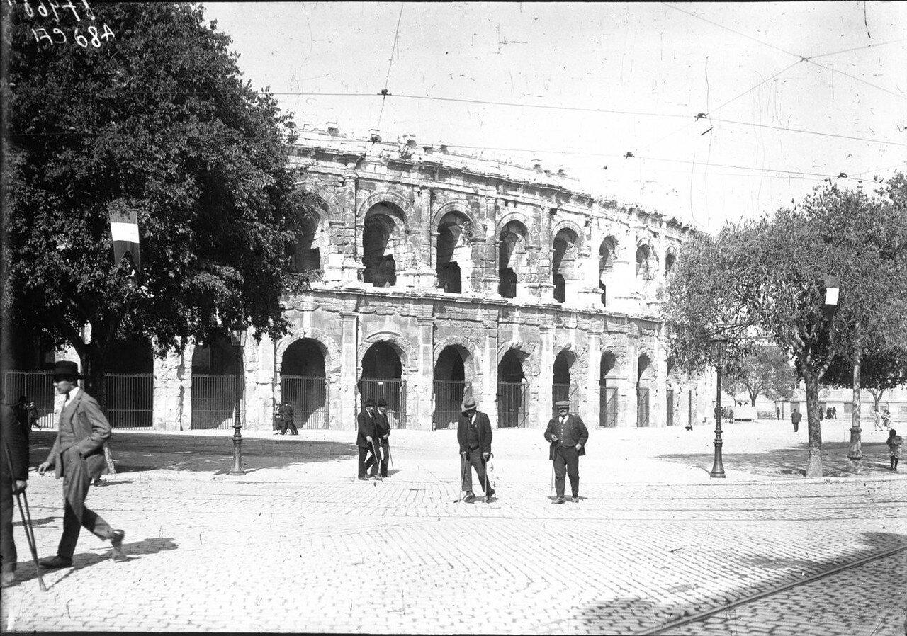 1924. Президент Гастон Думерг в Ниме. 02. Амфитеатр. Внешний вид