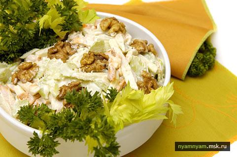 Паровой салат из укропа и сельдерея