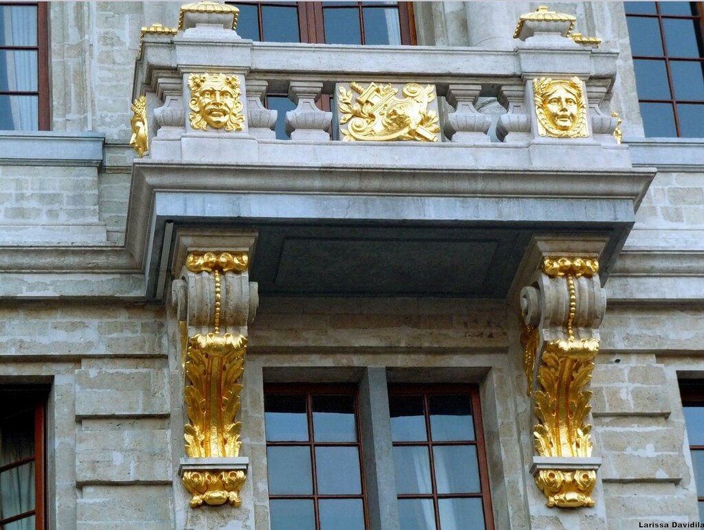 "Балкон дома ""Лебедь""."