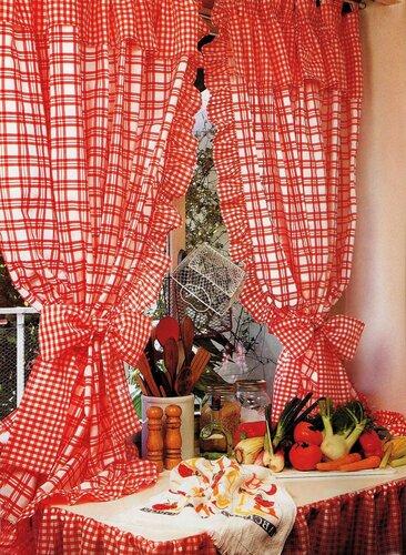 Кухонные занавески на петлях с воланами