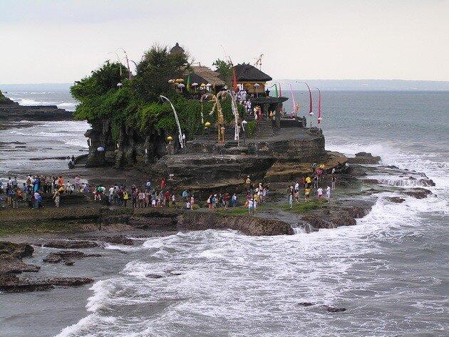 Храм Танах Лот. Бали