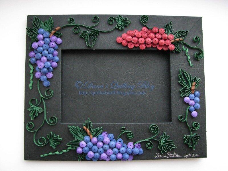 Квиллинг рамочка с виноградом