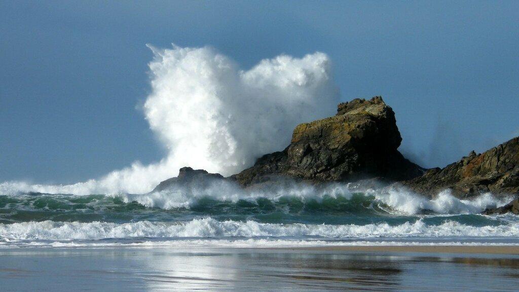 sea_waves_rocks_coast_spray_sky_landscapes_ultra_3840x2160_hd-wallpaper-236049.jpg