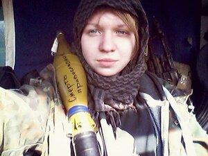 Обвиняемая в убийстве Олеся Бузины перегрызла себе вены