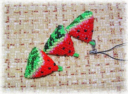 Арбуз схема . разных цветов. дольки из бисера . . плетение из бисера дольки . бисером дольки арбуза, . дольки из...