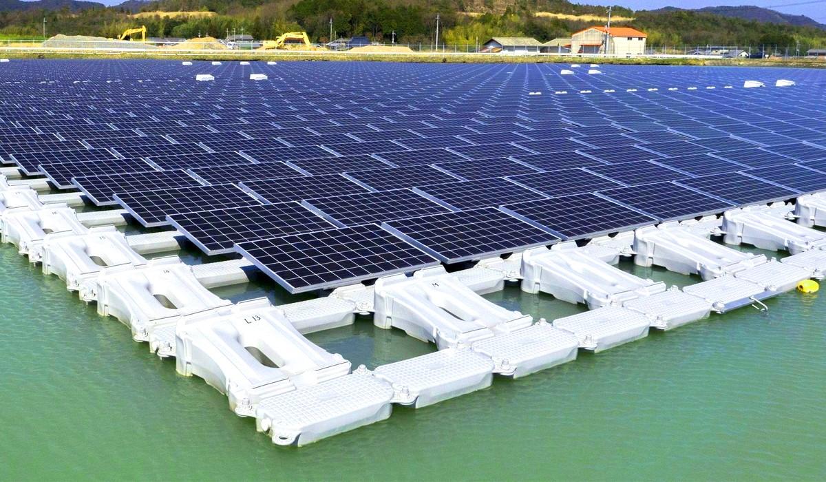 Самая большая в мире плавучая солнечная электростанция