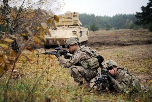 Латвия, кавалеристы США