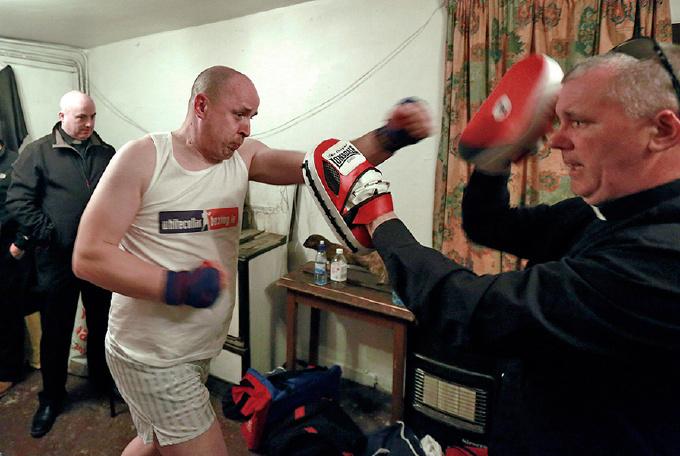 Ирландский священник принял участие в боксерском турнире