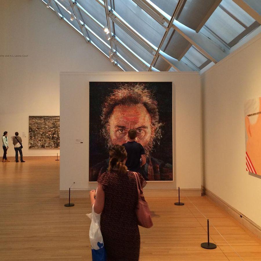 1. Метрополитен-музей (Нью-Йорк, США) В «Большом яблоке» и так негде яблоку упасть, а тут еще миллио