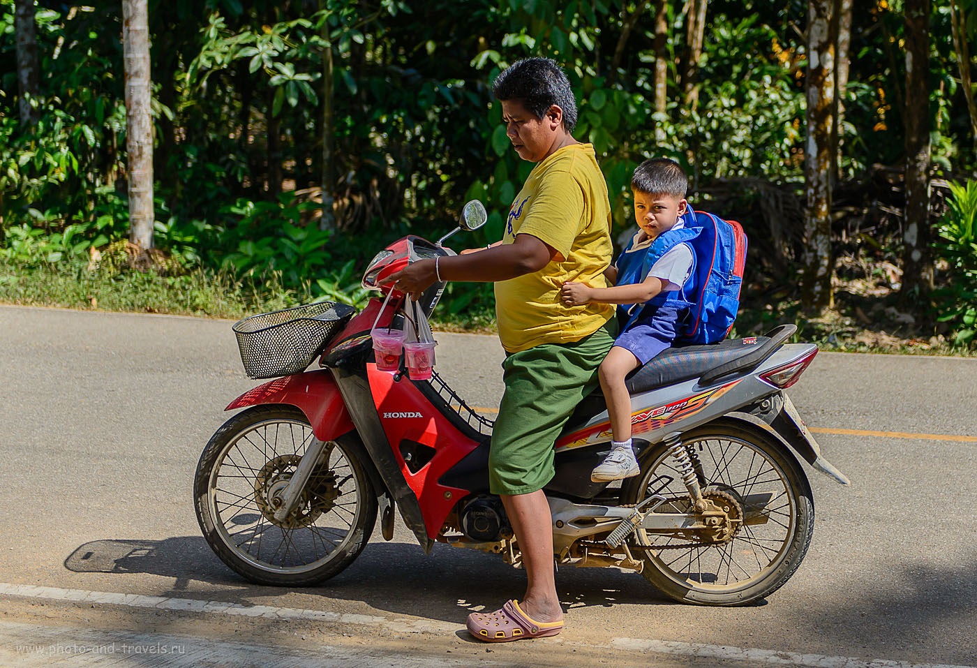 Фотография 6. Местные жители. Путешествие по Таиланду дикарями. Поездка в Ранонг (250, 56, 2.8, 1/2000)