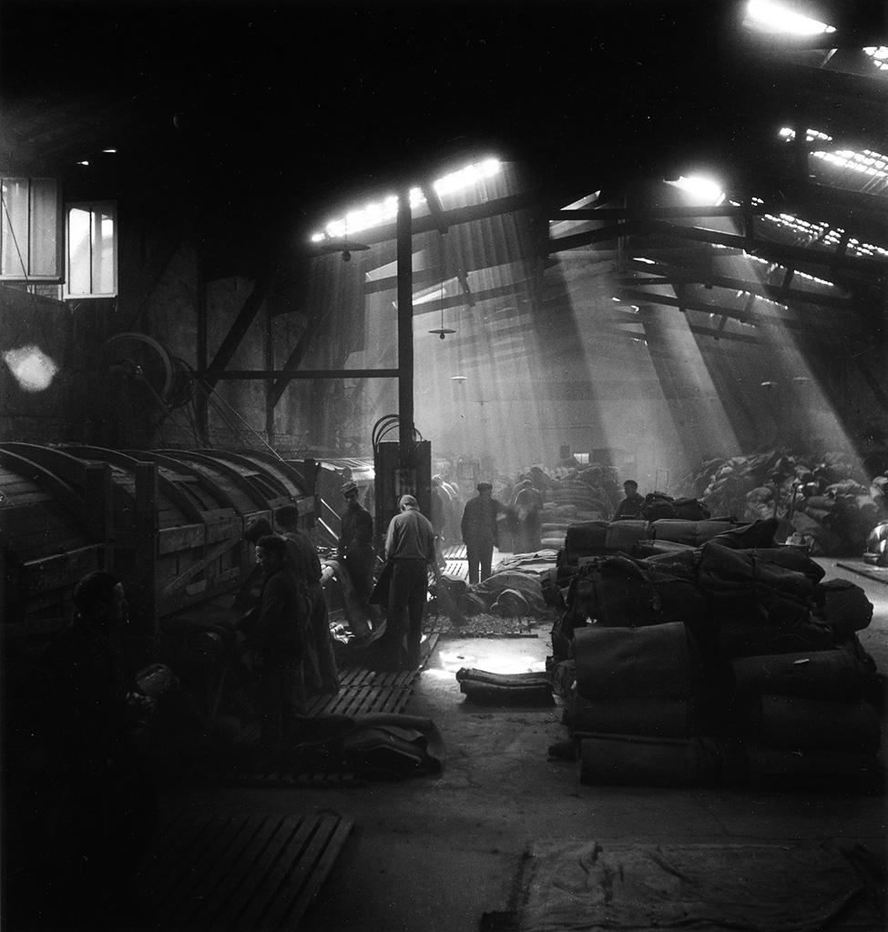 1945. Завод в Монруж