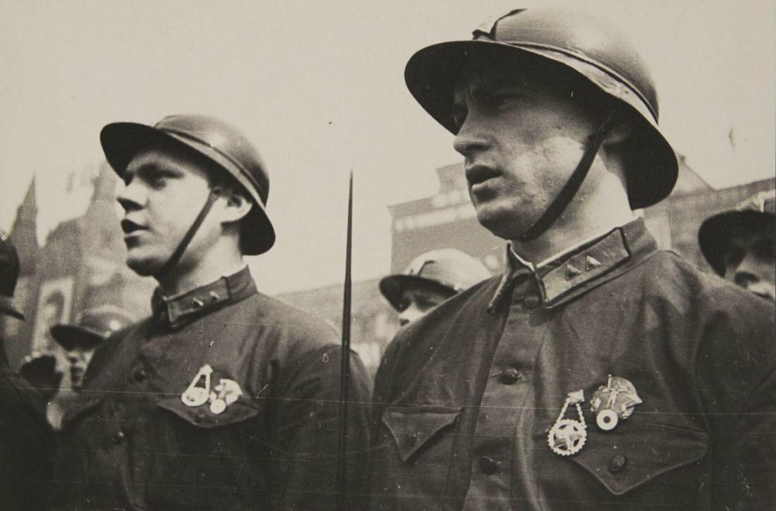 1933. Парад в Москве