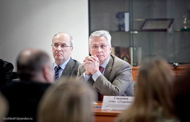 депутат Госдумы Валентин Друсинов и мэр Одинцово Александр Гусев (слева)