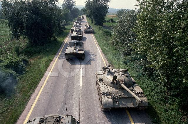 2S1 Gvozdika / T-55