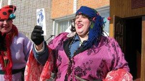 """Масленица, 2011г. Новым и самым колоритным персонажем на гулянии нынче была """"цыганка""""."""