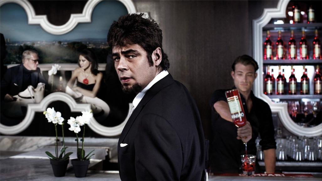 Бенисио дель Торо / Campari The Red Affair 2011 calendar - Benicio del Toro by Michel Compte - апрель