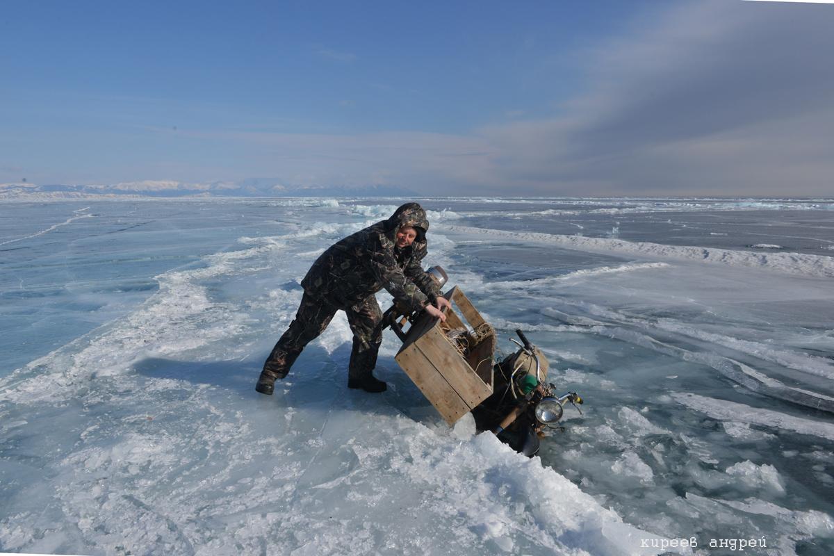 Надежный Байкальский лед