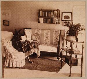 Вид части кабинета Софьи Николаевны фон дер Пален (урожд. Николаи) в усадебном доме.