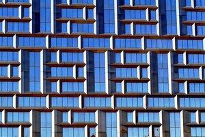 Свет и тени (фрагмент здания)