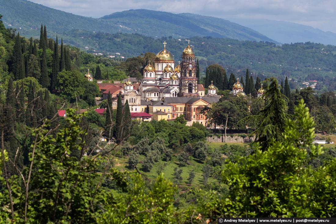 монастырь с тропы