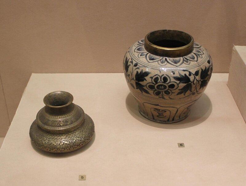 Сосуд и ваза