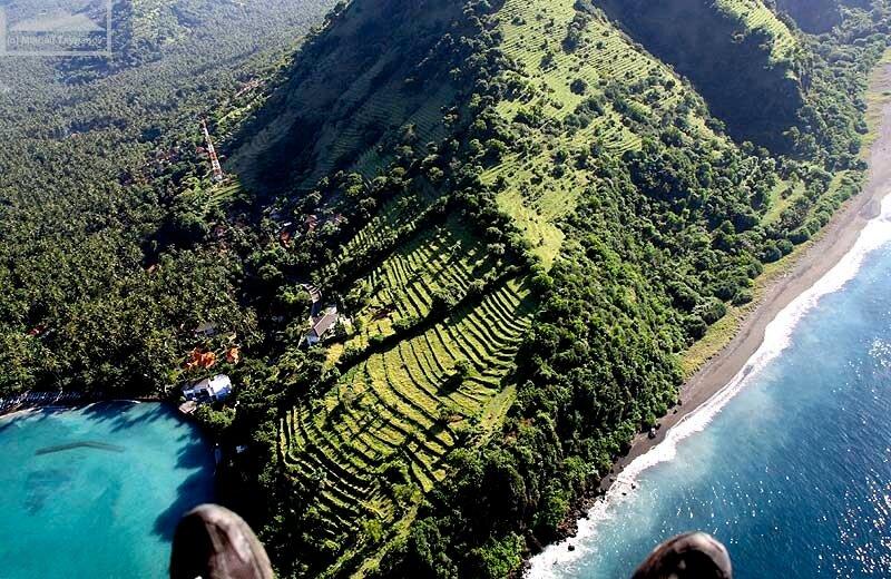 На паралете над Бали