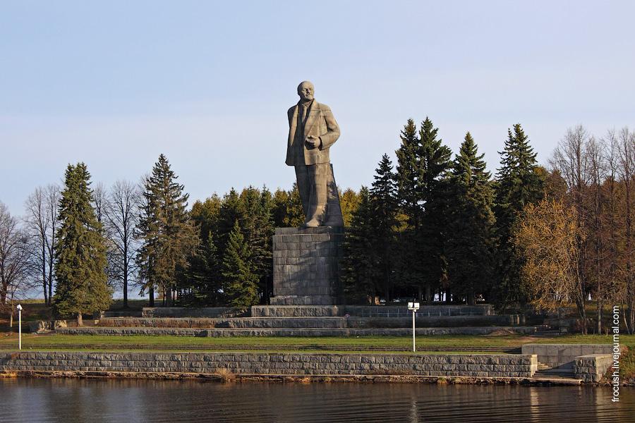 25-метровый памятник Ленину в Дубне