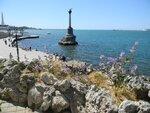 Севастополь, вид на Памятник затопленным кораблям и Набережную с Приморского бульвара