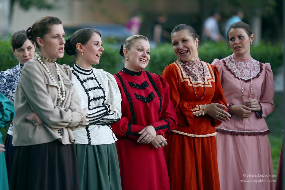 Казачки подпевали. Акция «Ночь в музее» в Волгоградском областном краеведческом музее.