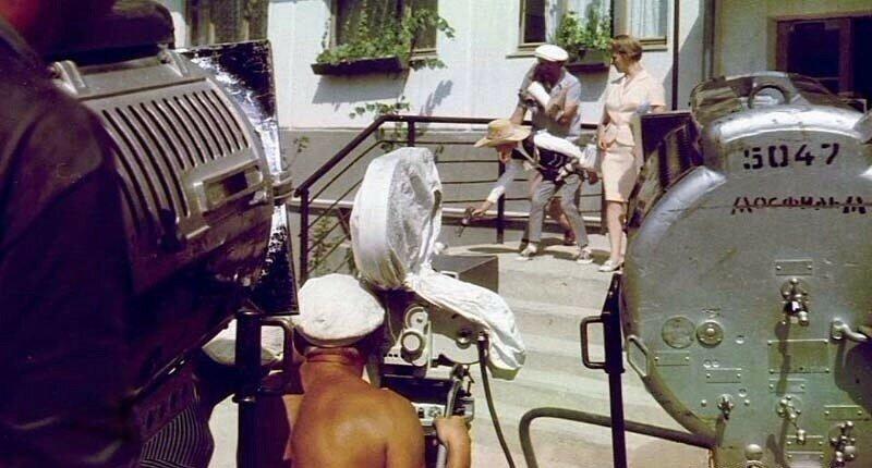 На съемках фильма Бриллиантовая рука, 1960-е.jpg
