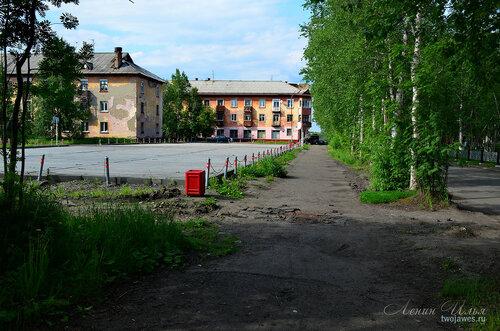 Фото города Инта №7811  Автостоянка, Полярная 11 и 12 21.06.2015_14:16
