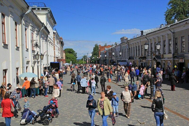 «Вятский Арбат» в день города-2015 на пешеходной улице Спасской