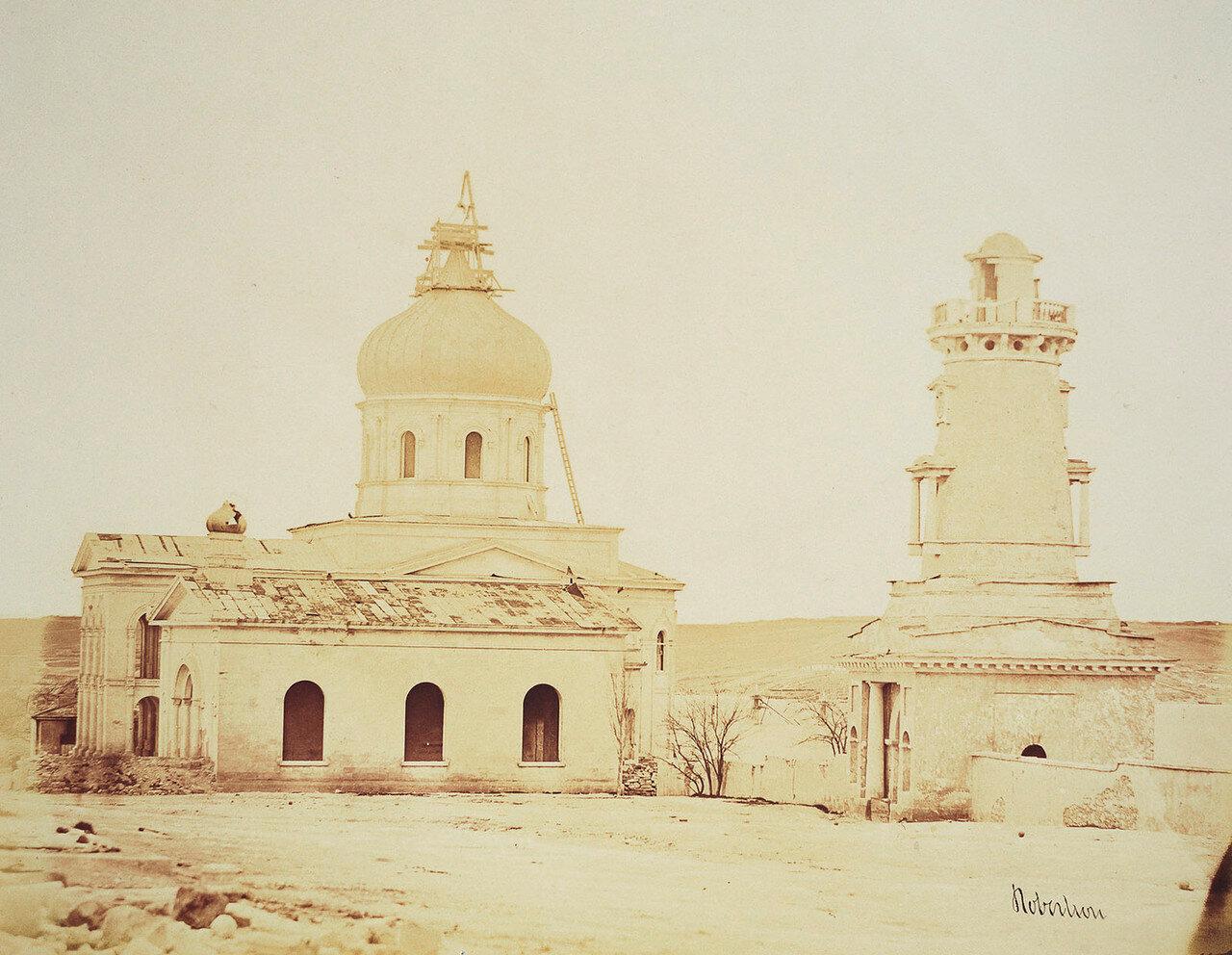 Севастополь. Церковь и часовая башня