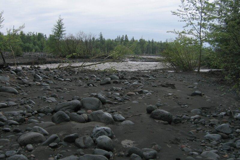 Берег реки, Толбачик, Камчатка