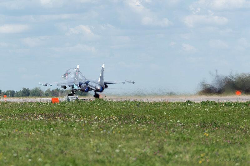 Сухой Су-34 (RF-95810 / 23 красный) D809948a